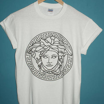 medusa head t-shirt hipster urban 1 tumblr vintage vtg retro indie outfitters