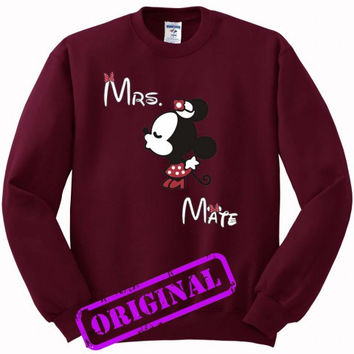 3 Minnie Kissing Mickey + Mrs + Mate for women for Sweater maroon, Sweatshirt maroon unisex adult