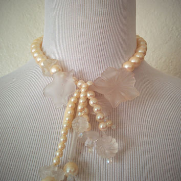 Vintage 50's Faux Pearl Necklace Clear Lucite Flower Pendant Choker