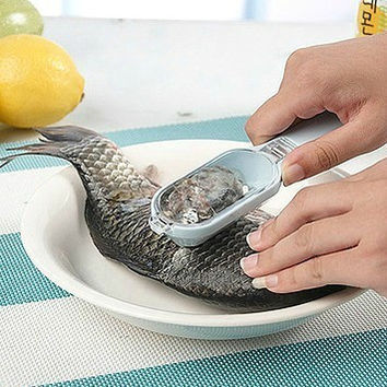 Gadget Knife Fish Peeler [11516240655]