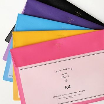 Diariamente Document Holder