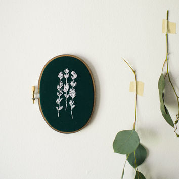 Lavender, Houseplant Decor, Botanical Fiber Art, Embroidery Hoop Art, Herbal Wall Hanging, Floral Wall Art, Gift for Mom, Kitchen Wall Art