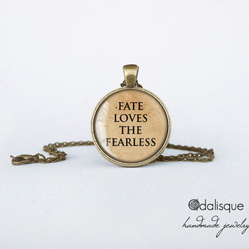 Handmade Fate Loves the Fearless Quote Round Glass Pendant Bronze Circle Necklace Inspirational Jewelry Birthday Gift 1 inch
