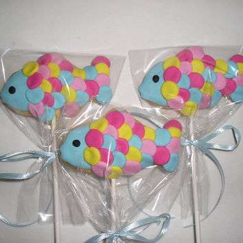 6 Rainbow Fish Cookie Lollipops, Fish Sugar Cookies, Decorated Cookies, Kid's Party Favors, Baked goods, Party Treats, Cookies for Kids