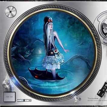Shop Alice In Wonderland Vinyl On Wanelo