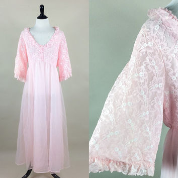 Giselle peignor // 50s candy pink fluffly double nylon & lace lingerie boudoir robe // bell sleeves empire waist // size L