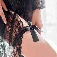 Charming Black Stretch Lace Bow Bowknot Grid Garter Belt