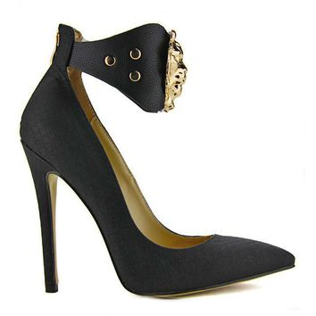 QUEEN OF THE DAMNED SNAKE PUMP - BLACK