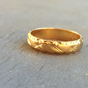Vintage 18k Gold Wedding Band Flower Star Engraving Fine Jewelry Bridal