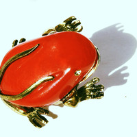 Frog Cocktail Ring Red Plastic Golden Bold Statement Jewelry size 5 6 7 adjustable