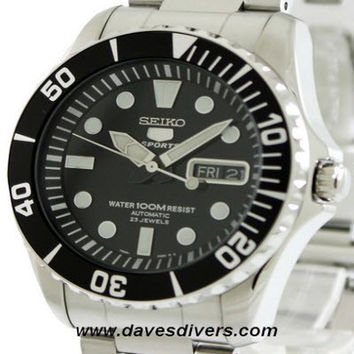 SEIKO 5 SPORTS AUTO WATCH SNZF17K1