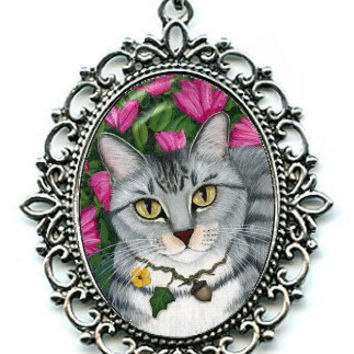 Gray Tabby Cat Necklace Silver Tabby Cat Azalea Garden Cat Cameo Pendant 40x30mm Gift for Cat Lovers Jewelry
