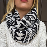 Black & White Thick Knit Infinity Scarf - Black & White Thick Knit Infinity Scarf