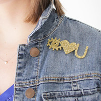 SALE! Eye Heart U Happy Pin
