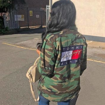 ONETOW Day-First? Tommy Jeans 90's Camo Jacket
