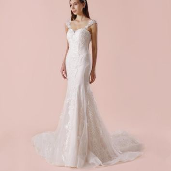 Sleeveless Sheath Wedding Dress Chapel Train Unique Lace Appliqued Bridal Gown