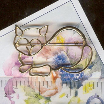 Fancy Feline Vintage Laying Down Feline Cat Kitten Ruler of the House Brooch Pin Clasp Clip Badge All Occasion Costume Jewelry Lapel Pin