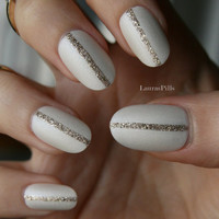 Silk pearl and gold! Set of false hand painted nails!