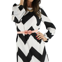 Long Sleeve Wide Chevron Stripe Shift Dress - Black/White