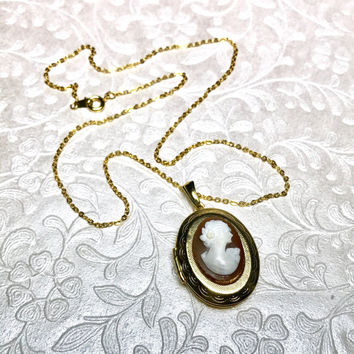 Victorian Cameo Locket Necklace, Vintage Cameo Jewelry, Wedding Necklace for Bride, Shell Cameo, Gold, Italy Engagement Gift for Girlfriend