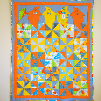 Children Quilt with Funny Ghosts, Colourful Pinwheel Design, Single Bed Quilt, Patchwork Blanket, Toddler Quilt, Nursery Bedding