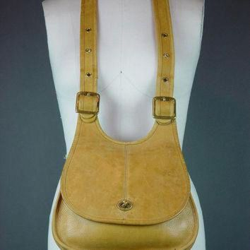 ONETOW 60s Coach Bag Handbag Vintage 1960s NYC Hippie Crescent Crossbody Caramel Tan