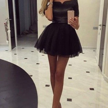 Black Tulle Scoop Neck Mini Homecoming Dress