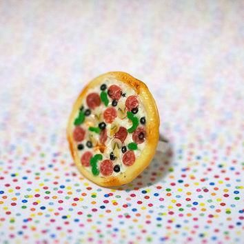 miniature-food-ring-supreme-pizza-pepperoni-green-pepper-mushroom-with-adjustable-ring number 1
