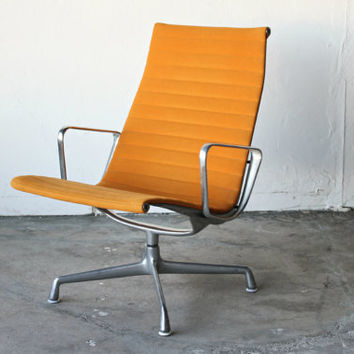Authentic Mid Century Eames Herman Miller Aluminum Group Lounge Chair