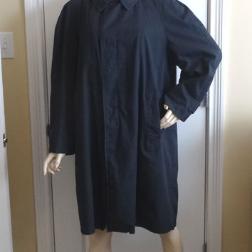 1960s Vintage Men's Navy Trench or Rain Coat wtih Zip Out Lining & Acetate Lining, Size Large, Cotton Outer, Vintage Men's Coat, Costume