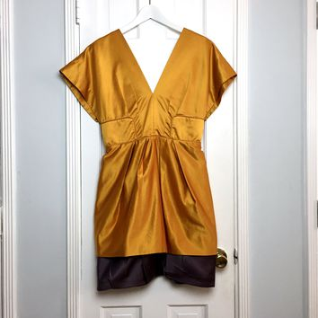 BCBGMaxAzria Runway women's gold & purple satin dress sz 6