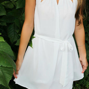 Modern Simplicity Sleeveless Cut Out Off White Tie Shift Dress