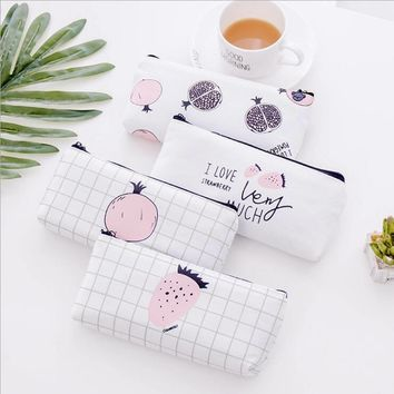 Clear Sweet Strawberry White Student Pencil Bag Korean Creative Large Capacity Writing Tools Receive Bags School Girl Pencil Bag