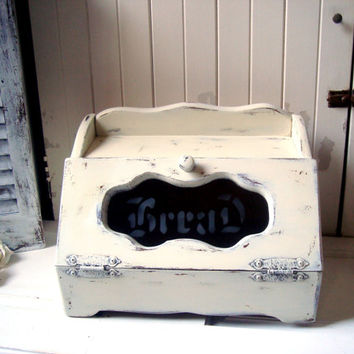 Vintage Wooden Bread Box, Shabby Chic Cream Distressed Bread Storage Box, Rustic Vintage Box, Cottage Chic Bread Storage Box