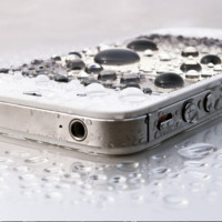 Now Your iPhone Can Go Skinny Dipping with Liquipel