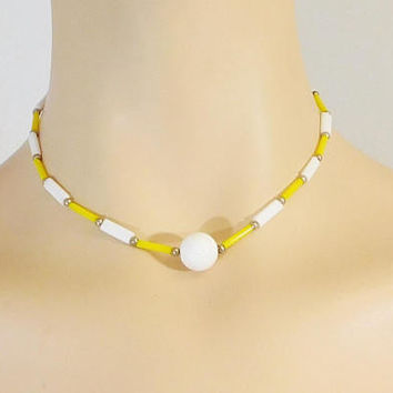 Yellow and White Choker, 15 inches, Beaded Choker, Hippie Necklace, Vintage Costume Jewelry, Plastic Lightweight Beads