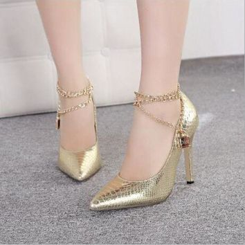 ICIKW Fashion metal chain pointed high-heeled shoes