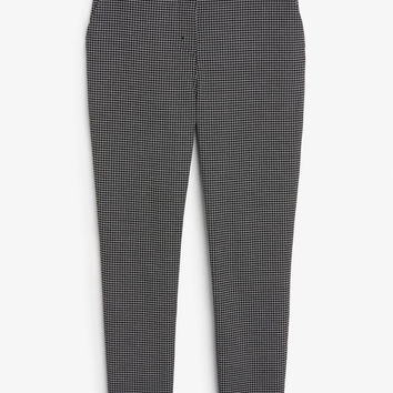 Dressy tapered trousers - Checked to perfection - Trousers & shorts - Monki DK