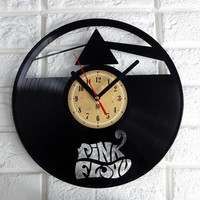 Vinyl Record Clock - Pink Floyd - Dark side of the moon. Vinyl Eaters is an upcycling product made from vinyl records.