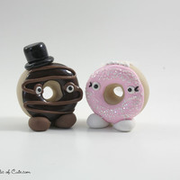 Donut bride and groom - sweet and offbeat wedding cake toppers