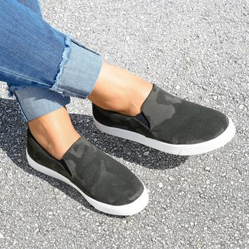 Reign Slip-On Camouflage Sneakers