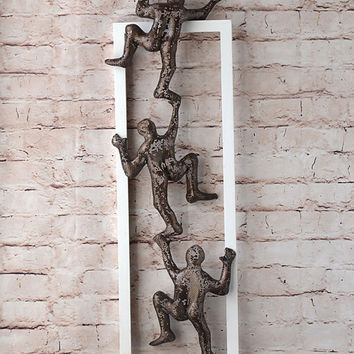 Climbing men, Metal wall art picture, Framed art,  Home decor, Wire mesh sculpture, modern art