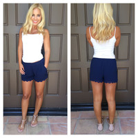Short And Sweet Scallop Shorts - NAVY
