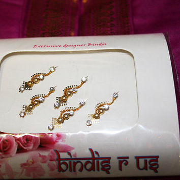 Gold Fancy Design Bindis with Crystals. Pretty Fancy Bindi collection.