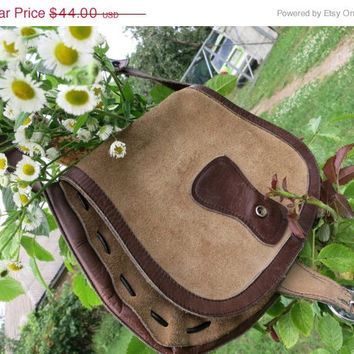 ON SALE That 'Seventies Show' Classic Suede Vintage Boho Bag / Handbag / Purse - Circa 1970
