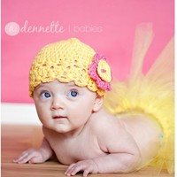 Baby girl crochet hat, crochet flapper hat, Yellow and pink hat for baby girl, Little girl hat, Hat with flower