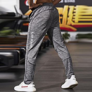 New Fitness Men Joggers Sweatpants Thin Gray Tracksuit Bottoms Sportswear Trousers Men Gyms Crossfit Casual Track Pants
