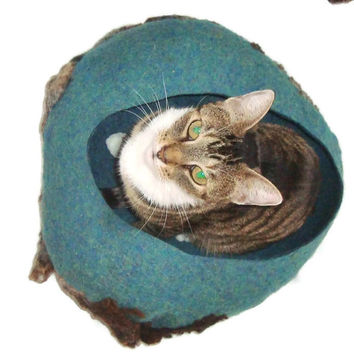 Felted Small Cat/Kitten Bed Sheep Friendly Wool  Basket Pet Bed - Clun Forest on Tidepool Heather - Supporting Small US Farms