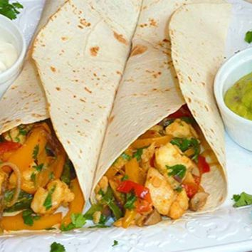 Recipes - Haloomi Fajitas served with Homemade Guacamole and Soured Cream