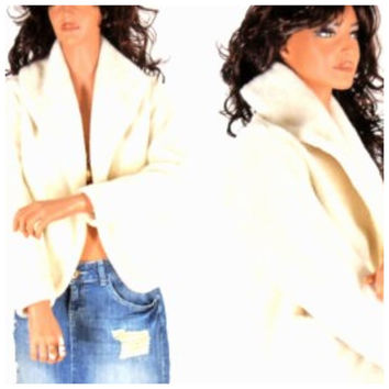 70s vintage white faux fur jacket, size S / M,  cropped fake fur coat,1970s faux fur jacket, fully lined, SunnyBohoVintage